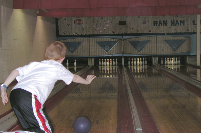 Bowling with the Wenger's 012.jpg