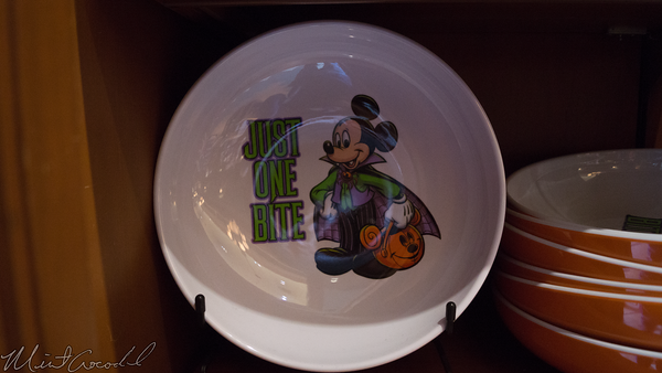 Disneyland Resort, Disney California Adventure, Buena Vista Street, Trolley Treats, Trolley, Treats, Halloween