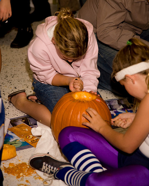 Halloween at Mels - 083.jpg