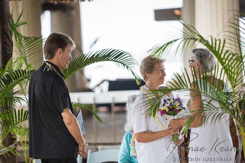 046__Hawaii_Destination_Wedding_Photographer_Ranae_Keane_www.EmotionGalleries.com__141018.jpg