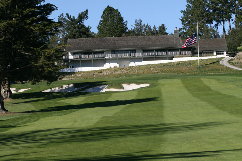 9 green and clubhouse 2.JPG