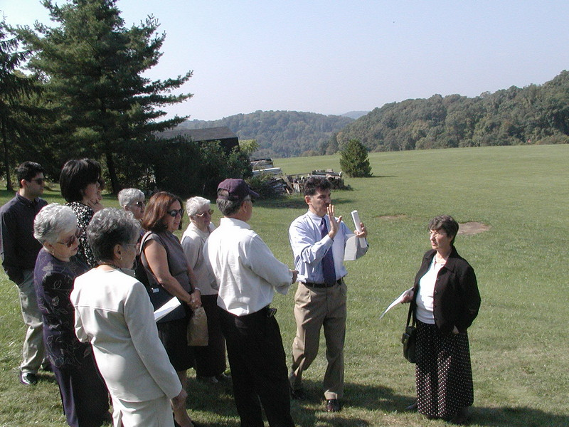 2002-09-29-Community-Field-of-Dreams-Tour-1_114.jpg