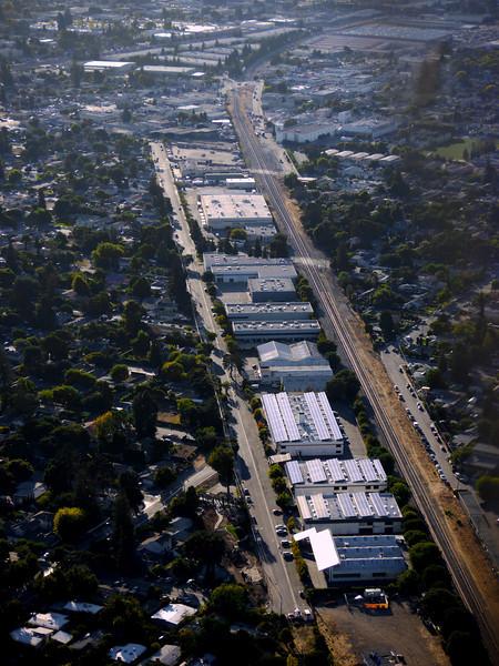 Edison Way, left, Fair Oaks Rd, right. Menlo Park, CA.