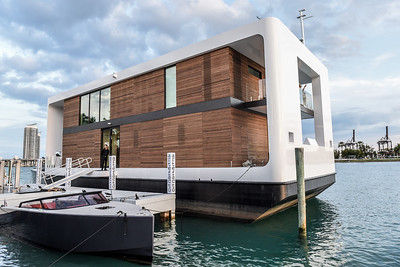 Artefacto Floating House