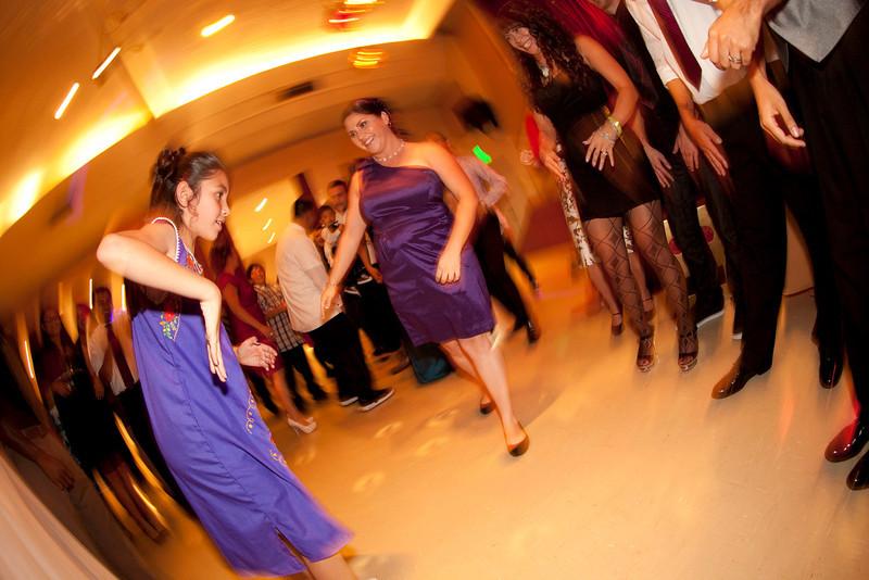 2011-11-11-Servante-Wedding-779.JPG