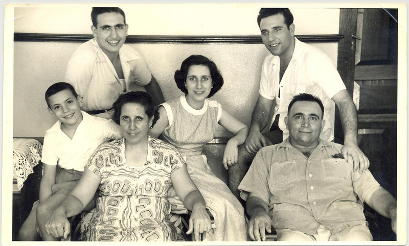Entrudo, 1954,  António Joaquim Rodrigues e Ana Cândida dos Santos e filhos.
