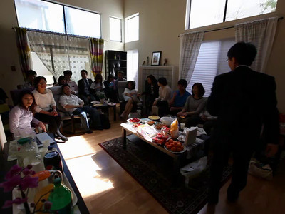 Worship at home of Eric 04-06-2014