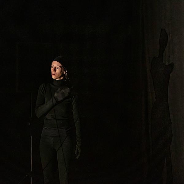 CIE LICHEN_Marta broie du noir-4.jpg