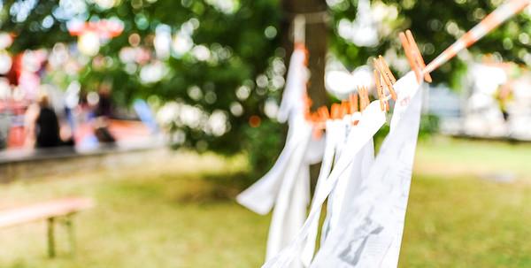 Weiss an die Wäscheleine — eine Mit-Mach-Aktion
