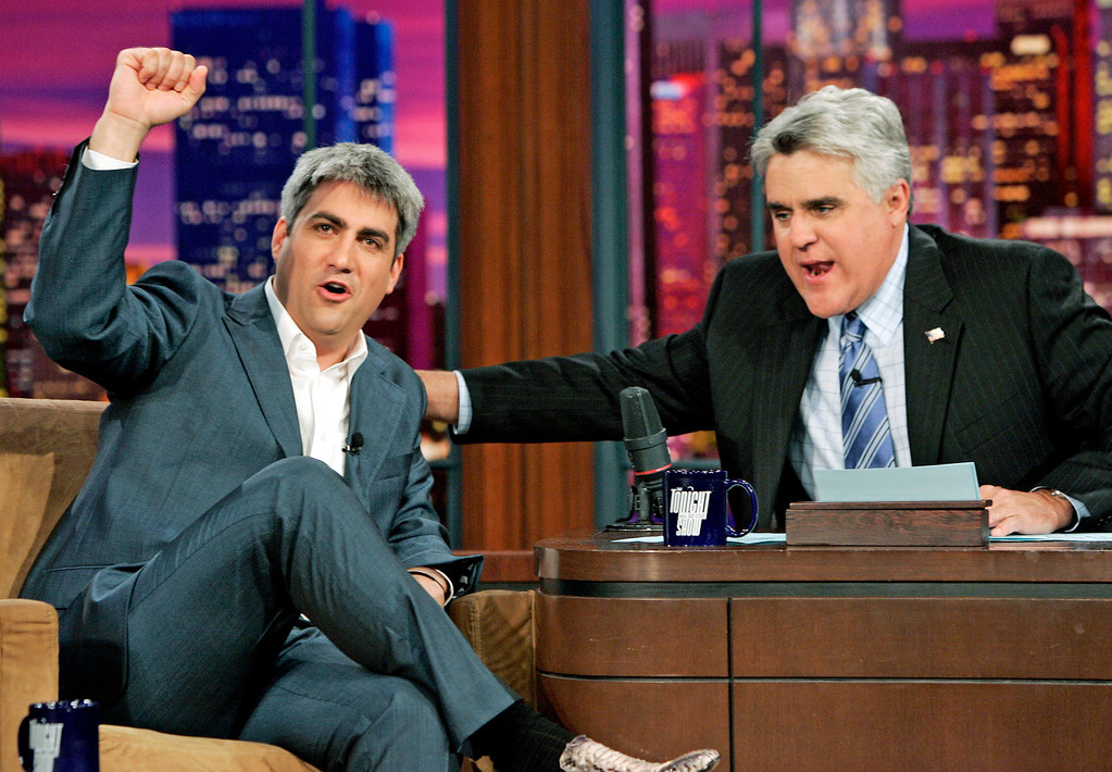 ". New American Idol Taylor Hicks, from Birmingham, Ala., left, reacts as he is congratulated by Jay Leno host of the ""Tonight Show with Jay Leno\"" at NBC Studios in Burbank, Calif., Thursday, May 25, 2006.  (AP Photo/Kevork Djansezian)"