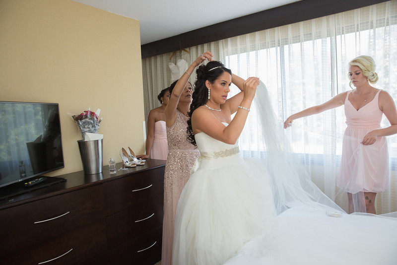 117_bride_ReadyToGoPRODUCTIONS.com_New York_New Jersey_Wedding_Photographer_J+P (171).jpg