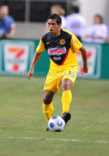 July 26 2009 World Football Challenge - Chelsea FC v Club America:#15 Guillermo Cerda of CA  in action at the Cowboys Stadium in Arlington, Texas.Chelsa FC beats Club America 2-0.