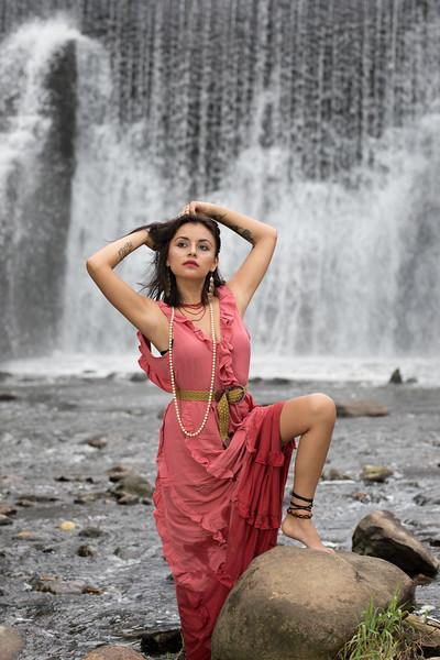 Waterfall 2019-6037.jpg