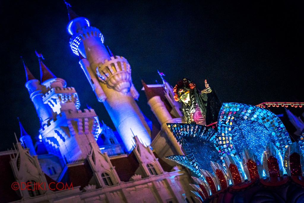 Halloween Horror Nights 6 - March of the Dead / Death March - Lady Death and the Castle