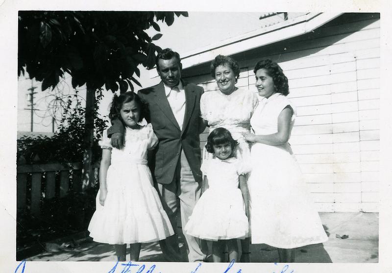 1940s-reyes-jess-stella-family.png