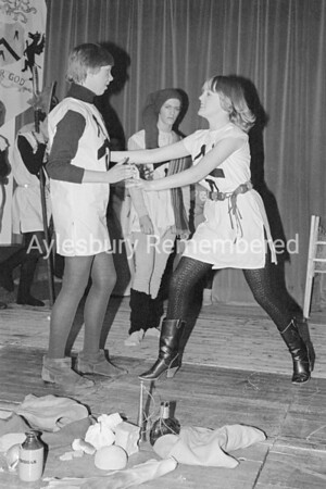 'A Pageant for Xmas' play at Quarrendon School, Dec 1981