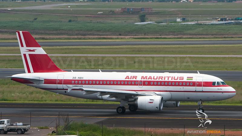 Air Mauritius_A319_3B-NBH__JNB_20060122_Ground_No Sun_IMG_0826_AM.jpg