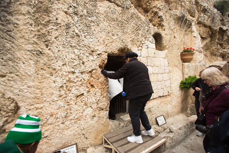 Entering Jesus' Tomb