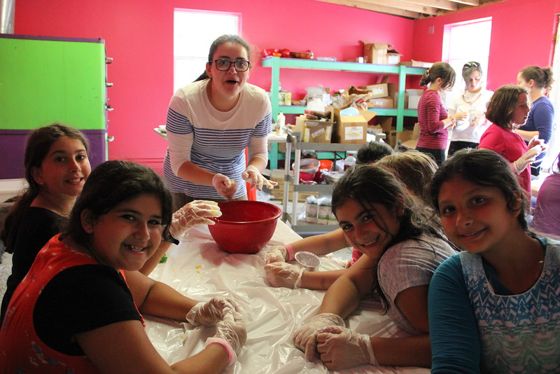kars4kids_thezone_camp_girlsDivsion_activities_baking (82).JPG