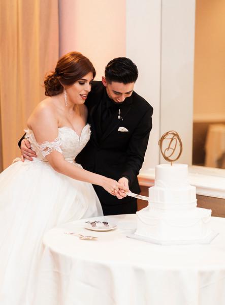 Alexandria Vail Photography Wedgewood Fresno Wedding Alexis   Dezmen742.jpg