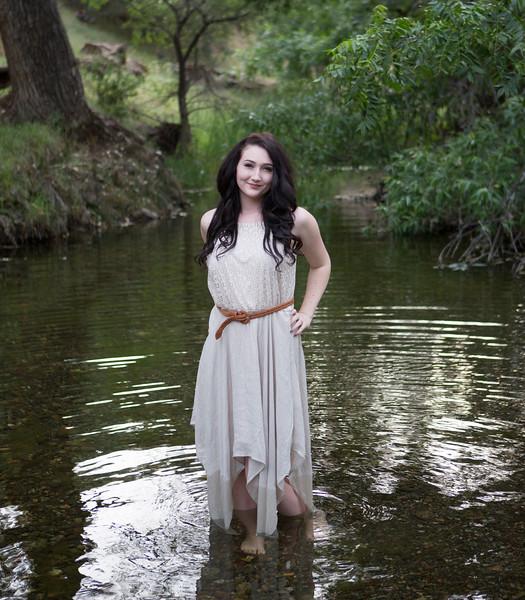 Abby Portrait Round Valley-_85A6966-.jpg