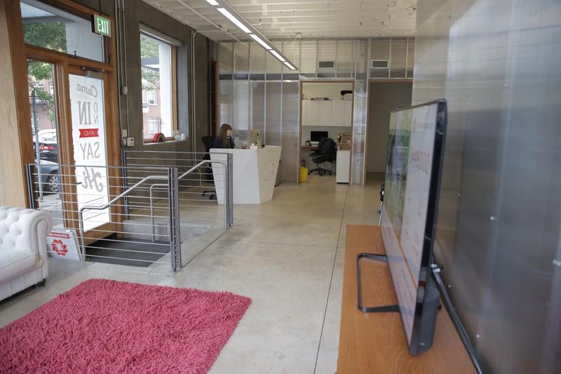 Livingroom Realty - Lovejoy-20.JPG
