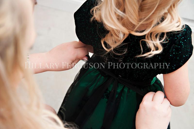 Hillary_Ferguson_Photography_Melinda+Derek_Getting_Ready144.jpg