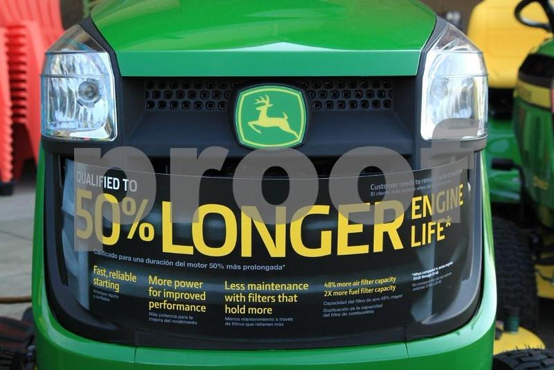 Fuel efficient lawnmower 4592.jpg