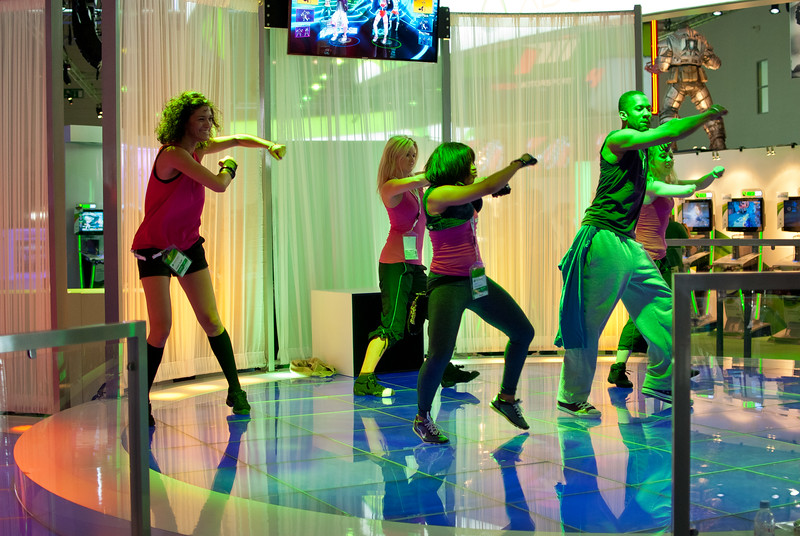 Dancing people at GamesCom 2011