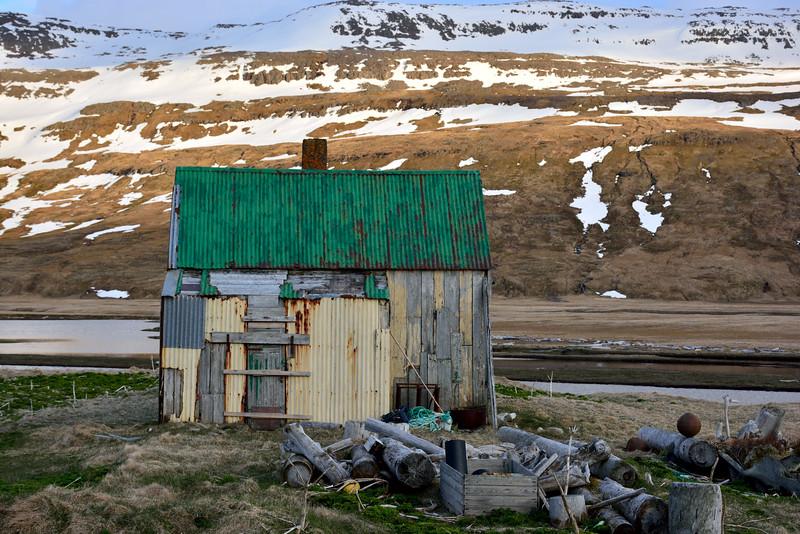 Furufjörður. Vagnsbær 2016.