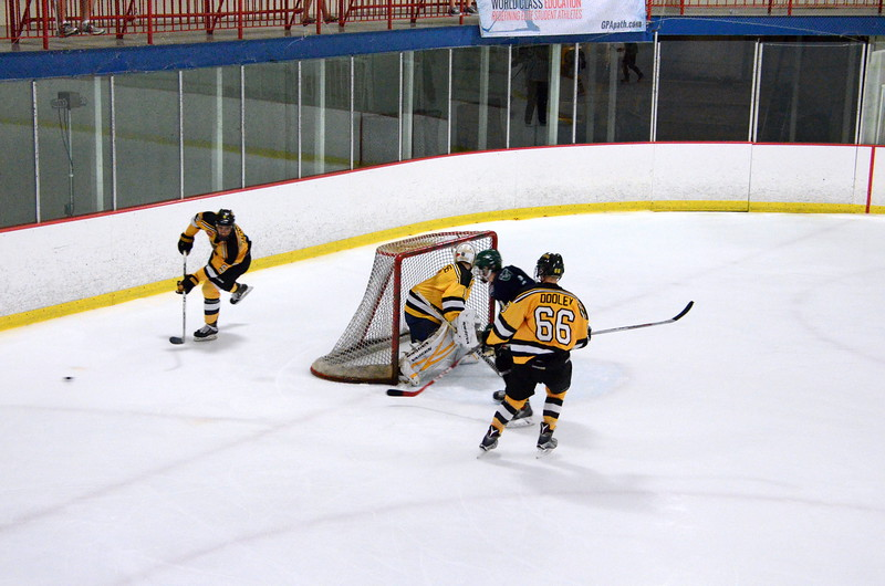 150907 Jr. Bruins vs. Whalers-076.JPG