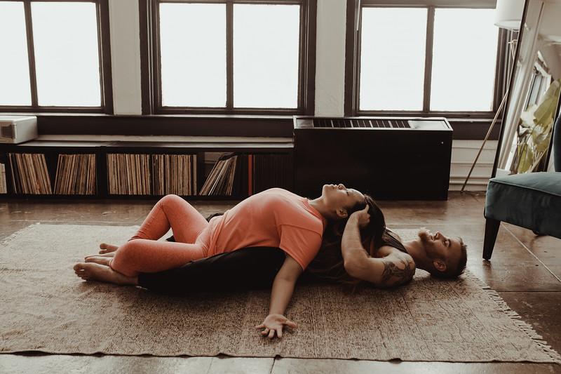 Jenny_Rolapp_Photography_partner_yoga-18.jpg