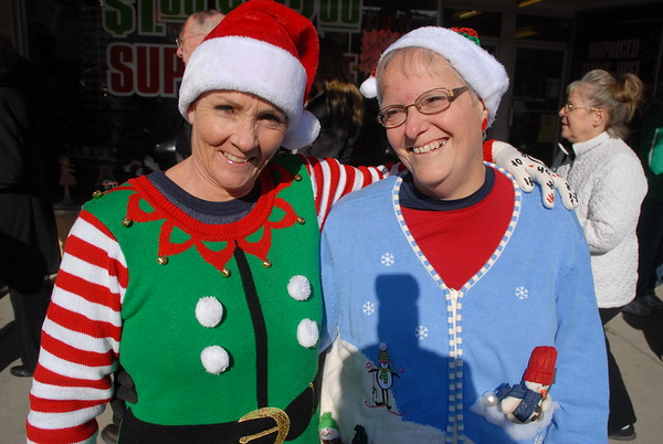 2017 Ugly Sweater Holiday Flash Mob in downtown Vinton