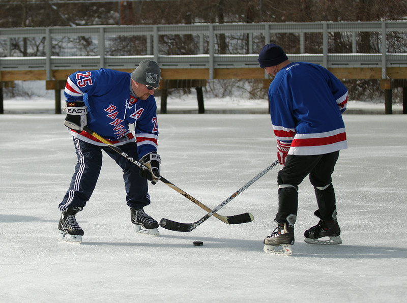 20140208_EMCphotography_PondHockeyCongersLakeNY-3.jpg
