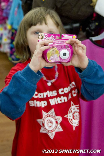 Charles County Officers Take Children Christmas Shopping