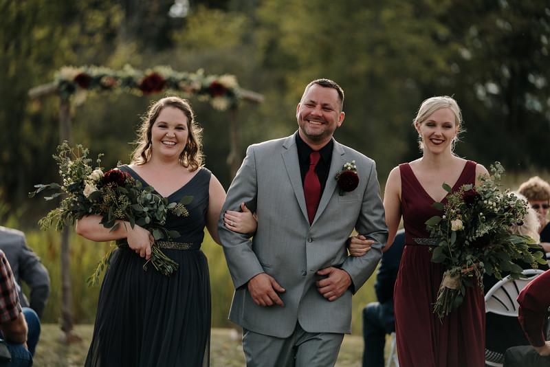 rustic_ohio__fall_barn_wedding-242.jpg