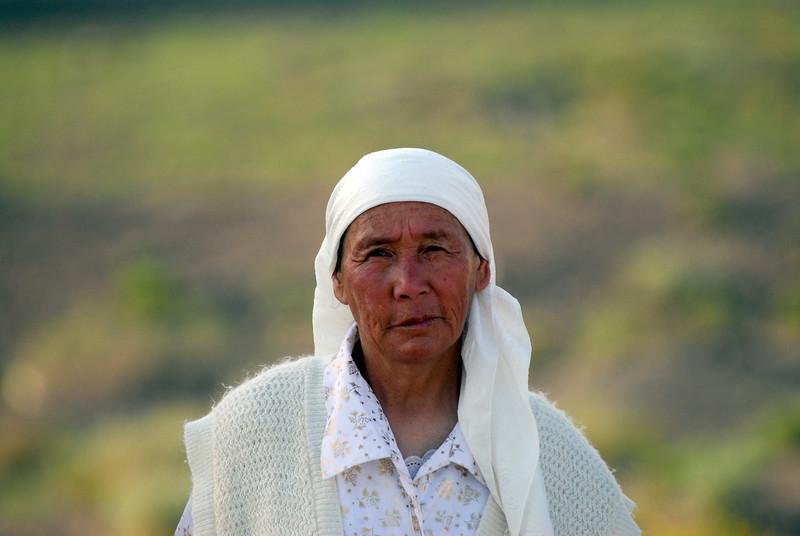 060723 2245 Kyrgystan - Lake Issuk-Kul - Drive from Airport _D _E _I ~E ~L.JPG