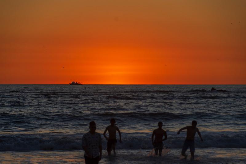 Sunset-Santa-Monica-beach.jpg