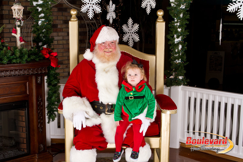 Santa Dec 8-317.jpg