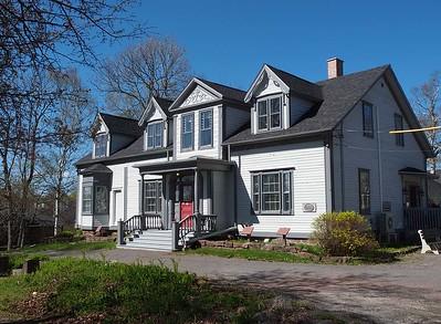 Grove Cottage : 150 Church Street