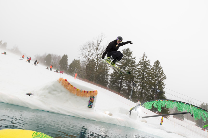 Pool-Party-Jam-2015_Snow-Trails-636.jpg