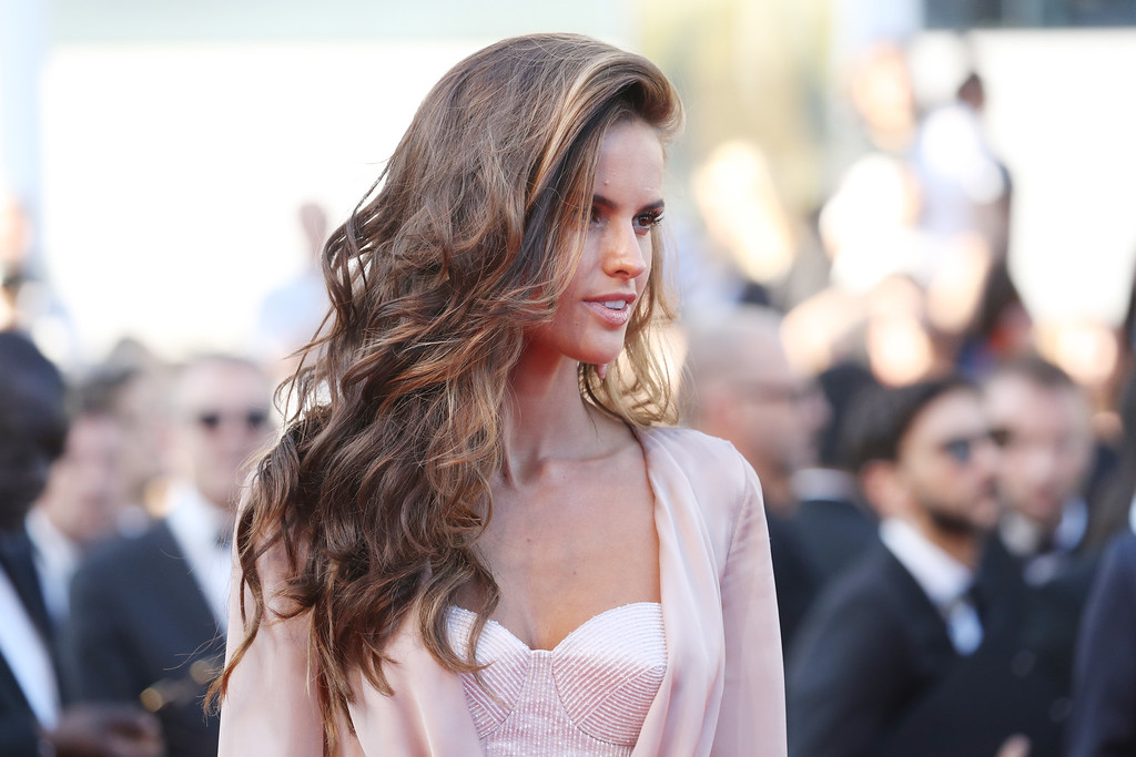 ". Izabel Goulart attends the ""Julieta\"" premiere during the 69th annual Cannes Film Festival at the Palais des Festivals on May 17, 2016 in Cannes, France.  (Photo by Andreas Rentz/Getty Images)"