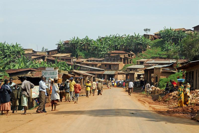 070113 4074 Burundi - on the road to Gitega and Ruvubu Reserve _E _L ~E ~L.JPG
