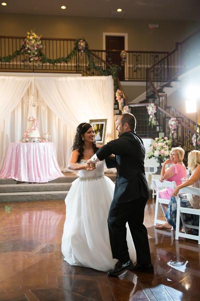 0868_Josh+Lindsey_Wedding.jpg