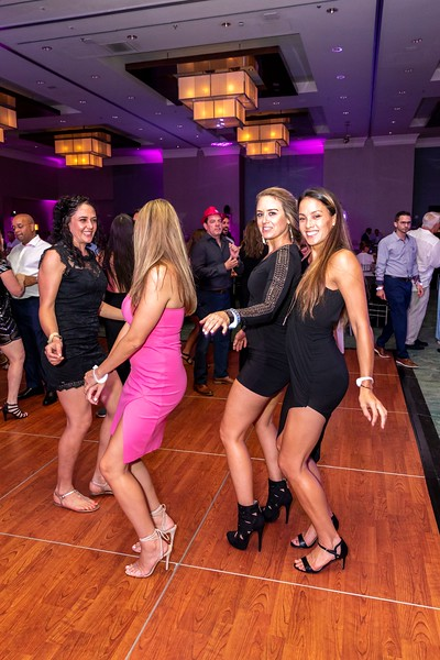 2019_11_Yachtail_Party_00681.jpg