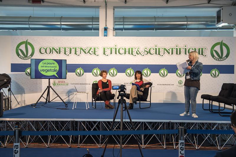 lucca-veganfest-conferenze-e-piazzetta-002.jpg