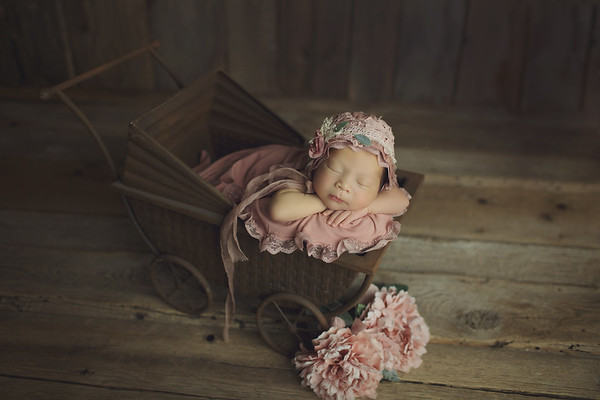 emma newborn mini