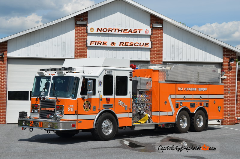 Northeast Fire & Rescue (East Pennsboro Township) Tanker 20: 2008 KME Predator 2000/1800