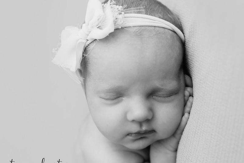 Autumn-Newborn-Low-Resolution370A0168-Edit-2.jpg