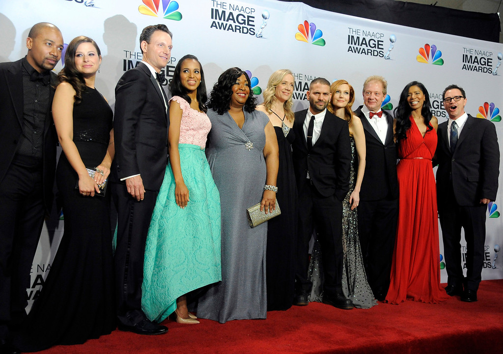 ". The cast and crew of ""Scandal\"" pose backstage at the 44th Annual NAACP Image Awards at the Shrine Auditorium in Los Angeles on Friday, Feb. 1, 2013. (Photo by Chris Pizzello/Invision/AP)"